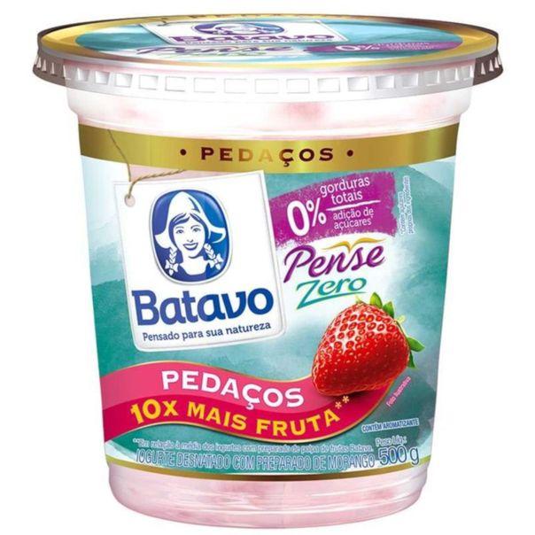 Iogurte-pense-zero-pedacos-de-morango-pote-Batavo-500g
