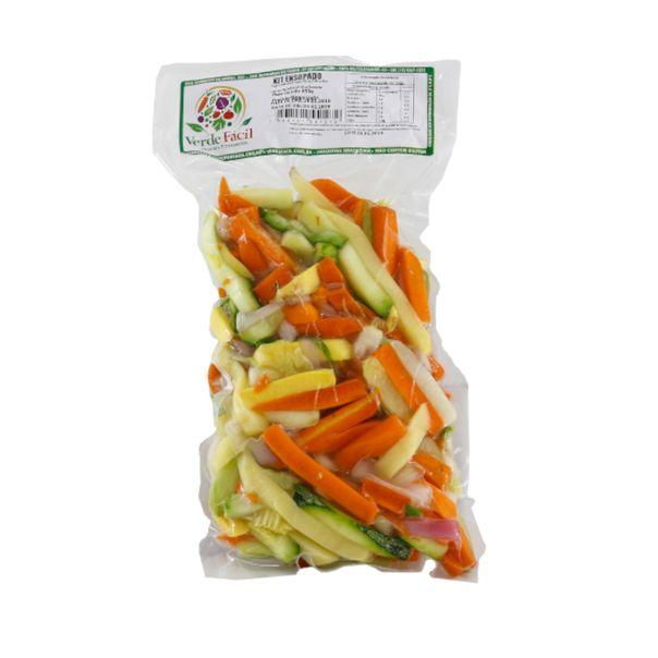 Kit-ensopado-com-chuchu-cebola-batata-abobrinha-cenoura-e-vagem-Verde-Facil-300g