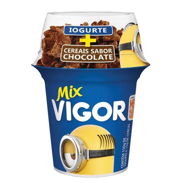 Iogurte-sabor-chocolate-com-sucrilhos-Vigor-165g